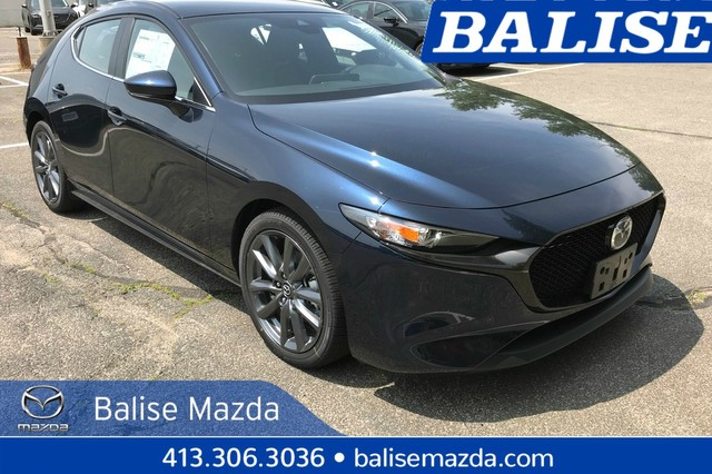 New 2019 Mazda3 Hatchback w/Preferred Pkg AWD